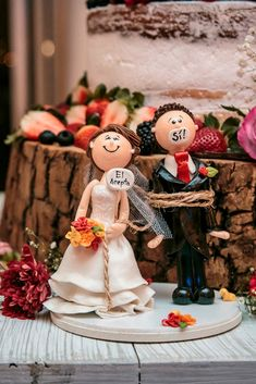 Dictionary of wedding cakes to understand with the .- Dictionary of wedding cakes to understand with the pastry chef - Wedding Themes, Our Wedding, Wedding Decorations, Funny Wedding Cakes, Upcycled Home Decor, Wedding Topper, Marry You, Cake Table, Garden Wedding