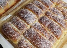 Lekváros bukta | Alexandra Balla receptje - Cookpad receptek Hot Dog Buns, Banana Bread, Cake, Food, Pie Cake, Pie, Cakes, Essen, Yemek
