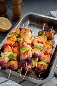 Rețete dietetice pentru pachetul de la serviciu | Bucate Aromate A Food, Good Food, Food And Drink, Party Food Platters, Baked Potato, Sushi, Sausage, Vegan Recipes, Vegetables