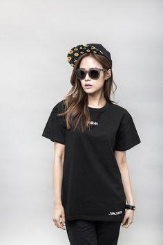 #collaboration #marymond #lookbook #flower #spring #pattern #printing #newseason #campcap #colorful #basic #graphic #yellow #black #thezeem #더짐 #모자 #hat #cap #designer #design #디자인 #브랜드 #brand #스냅백 #snapback #korea #seoul #fashion #fashionbrand #style WWW.THEZEEM.COM