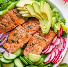 avocado salmon salad recipe is loaded with all of the best salad ingredients; crisp cucumber and lettuce, and juicy pan seared salmon. The lemon dill dressing is so easy and gives this salmon salad amazing fresh flavor. Salmon Salad Recipes, Salad Recipes Video, Fish Recipes, Seafood Recipes, Cooking Recipes, Healthy Recipes, Kitchen Recipes, Recipe Videos, Salmon Avocado