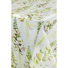 """Hurmaava Lupiini-mallisto vie ajatukset kiireettömiin kesäpäiviin ja aurinkoisiin juhliin. Lupiini-kuosin on suunnitellut Lasse Kovanen. Lupiini-pöytäliina on 100 % puuvillaa. Isompaa, 145 x 250 cm kokoista pöytäliinaa on valmistettu violettina ja vihreänä, ja pienempää 100 x 100 cm kokoista pöytäliinaa violettina. Pöytäliinan voi pestä varovaisella ohjelmalla 60 asteessa. Lupiini-pöytäliinasta saapui uusi, raikkaamman vihreä erä kesälle 2017. <p style=""""color:#71C01A;"""">..."""