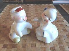 Vintage-VAN-TELLINGEN-Dutch-Boy-Girl-Salt-and-Pepper-Hugger-Shakers-EUC