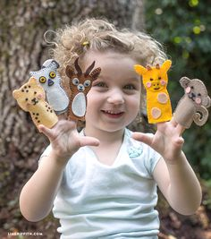 Make your own super-cute animal felt finger puppets with these downloadable patterns from handcrafted lifestyle expert Lia Griffith.