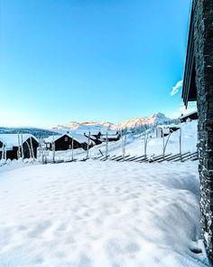 "Malin Kjølseth ☼'s Instagram profile post: ""Mer enn nok snø til jul hvertfall 🎅❄️. . . . . #beitostølen #visitbeitostølen #winterwonderland #snowland #snow #mountains #sun #sunshine…"" Winter Wonderland, Fair Grounds, Nature, Fun, Travel, Profile, Naturaleza, Viajes, Destinations"