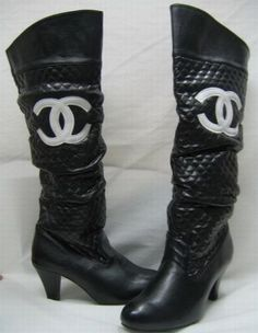 knee high round tip medium heel Chanel boots... my new booties <3