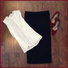"Navy ribbed skirt Ribbed pencil skirt. Elastic waist. Length 30""/Waist 14 1/2"". Brand new. Never worn. DownEast Skirts"