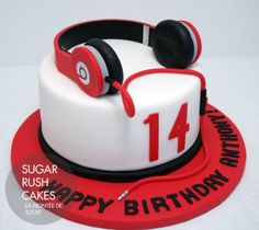 Beats headphones cake | Sugar Rush Cakes Montreal