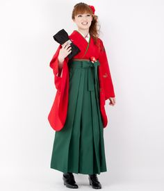 Daring red kimono and green hakama, and more modern shoes to balance it off..