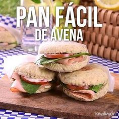 Video de Pan Fácil de Avena This rich homemade oatmeal bread is the easiest to prepare and also at home they will eat healthy and rich. Prepare it Healthy Dinner Recipes, Diet Recipes, Healthy Snacks, Vegan Recipes, Healthy Eating, Cooking Recipes, Simple Recipes, Plats Healthy, Food Videos
