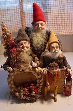 finished today 6/25/15 to go on eBay tomorrow for $9.99 with hopes for it to climb. gnomes are removable. n decamp