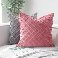 Home Decorative Cushion Cover Quilting Solid Pillow Covers Square Soft Velvet Pink Cushion Covers, Square Pillow Covers, Pink Cushions, Velvet Cushions, Sofa Throw Pillows, Throw Pillow Cases, Cushions On Sofa, Velvet Quilt, Embroidered Cushions