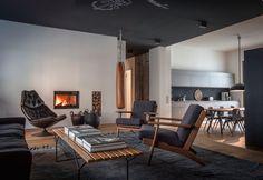 Wohnung Monochrome-Farben-gelbe Accessoires-Eckküche modern-Kasia ...