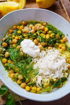 Chickpea, Spinach and Herb Stew - Vegetarian Dinner Recipes Easy Soup Recipes, Cooking Recipes, Healthy Recipes, Chickpea Recipes, Vegetable Recipes, Chickpea Stew, Biryani, Korma, White Bean Soup