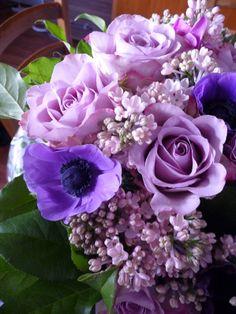 Bouquet en camaïeu violet mauve http://www.pariscotejardin.fr/2014/03/bouquet-en-camaieu-violet-mauve/
