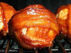 Onion Bombs: Gegrillte Zwiebel mit Hack Mit Hack und Schinken ist es ein bisschen räudig. Aber nur mit Einem von Beiden...