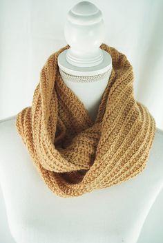 Knitting Patterns Galore - One Row Möbius Knitting Patterns Free, Free Knitting, Free Pattern, Knit Cowl, Knitted Cowls, Sport Weight Yarn, Cascade Yarn, Winter Tops, Yarn Brands