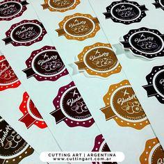 Stickers personalizados para conservas mermeladas o frascos, con ondas troquelados para personalizar con marcas #cuttingartargentina #tags #stickers #etiquetas #bodas #15años #quinceaños #casamientos