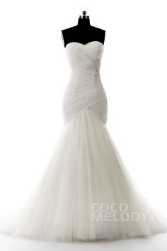 Hot Sale Sweetheart Dropped Train Tulle Ivory Sleeveless Wedding Dress with Beading and Appliques LD3681 #weddingdress #cocomelody