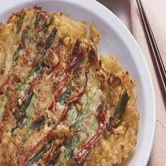 Pajeon is a great tasty pancake. Have a loot how it is made. Korean Dishes, Korean Food, Pajeon Recipe, Tasty Pancakes, Exotic Food, Rice Flour, Meals For Two, Quiche, Breakfast
