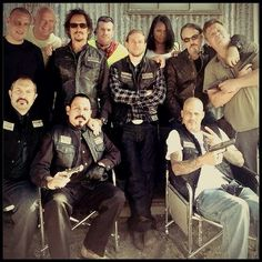 Sons of Anarchy, great tv, crew, group shot, photo Serie Sons Of Anarchy, Sons Of Anarchy Samcro, Soa Cast, Sons Of Anachy, Sons Of Anarchy Motorcycles, Tommy Flanagan, Charlie Hunnam Soa, Jax Teller, Great Tv Shows