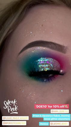 Iridescent Eyeshadow, Loose Glitter Eyeshadow, Glitter Makeup Looks, Sparkle Makeup, Bold Makeup Looks, Crazy Makeup, Eye Makeup Cut Crease, Eyeshadow Makeup, Makeup Art