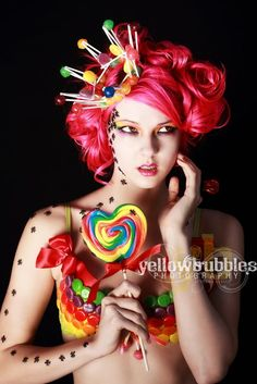 Candy crown by Spoiled Cherry Candy Girls, Candy Costumes, Girl Costumes, Maquillage Halloween, Halloween Makeup, Halloween Doll, Costume Bonbon, Candy Crown, Gouts Et Couleurs