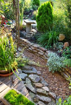 Here's how a homeowner fixed a drainage issue WITHOUT compromising the look of the landscaping.