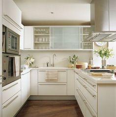 Kleine Küche Minimalismus Küchenstil Glastüren Schrank Schiebetüren Laminat