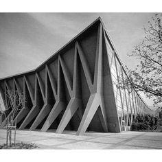 v-architecture-photos:Ivan Vitic - exhibition pavilion Zagreb - 1958 Contemporary Architecture, Landscape Architecture, Interior Architecture, Classical Architecture, Le Corbusier, Luigi Snozzi, Brutalist Buildings, Architectural Section, Architectural Sketches