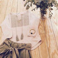 #madrid Por aquí empieza a asomar la primavera con @meisiebrand y @tiahramadrid Feliz Martes!! #anaguilstore #multibrand #nuevacoleccion #condeduquegente #fashion #modaespañola #Repost @ana_guil