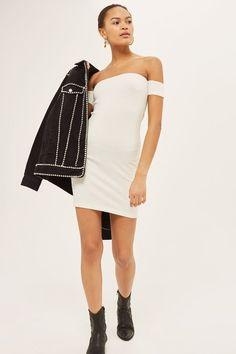 0fbbccce4cb Bandeau Bodycon Dress. Schulterfreies Kleid ...