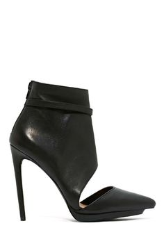 Shoe Cult Collection Caught Up Leather Pump
