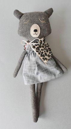 Doricica soft dressed bear http://knuffelsalacarteblog.blogspot.nl/2015/11/doricicas-world.html