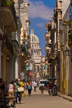 Road to El Capitolio in Habana, CUBA. A replica of the Capitol building in Washington, D. Beautiful Islands, Beautiful World, Beautiful Places, Places Around The World, Travel Around The World, Around The Worlds, Central America, South America, Places To See