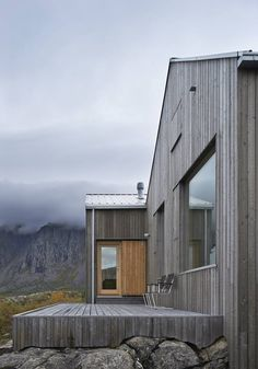 Swedish architect Erik Kolman Janouch plants a cottage into Vega Island's
