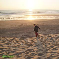 Urlaubsplanung schon erledigt? Für die Pfingsttage lohnt es sich vor allem für Familien, einen Blick auf die himmlischen Strandgebiete rund um Bordeaux zu werfen. Zu erwarten gibt es vor allem viel Freiraum und Natur. Die schönsten Ecken an der Atlantikküste und besten Angebote erfahrt ihr auf travelyst.de!