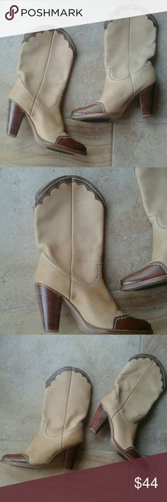 Zodiac leather cowboy boots 9 N In excellent condition tan leather boots 9 N Zodiac Shoes Heeled Boots