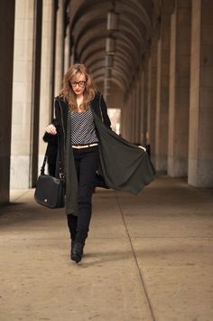 jacket: zara / top: c/o lilla p / jeans: c/o hudson (old) / belt: h&m / shoes: c/o 80%20/ bag: coach / glasses: c/o warby parker. Nice outfit!