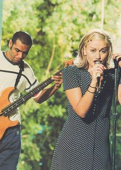 """Love Gwen Stefani's grunge style in this music video for """"Don't Speak"""" when she was in """"No Doubt"""" Gwen Stefani 90s, Gwen Stefani No Doubt, Gwen Stefani Style, Young Gwen Stefani, Rihanna, 1990 Style, 90s Grunge Hair, Love The 90s, Dalida"""