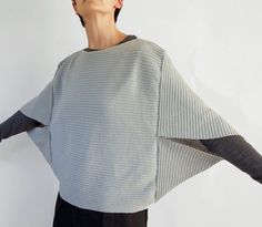 The eagerly awaited cocoon poncho  came yesterday, and I couldn't be happier with it. It's so simple and lovely.