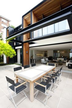 Love the open room to the outside!