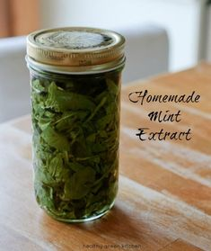 NEW from Healthy Green Kitchen: Homemade Mint Extract Recipe Mint Recipes, Healthy Recipes, Sauces, Pickle Vodka, Peppermint Tea, Peppermint Plants, Mint Extract, Infused Oils, Perfume
