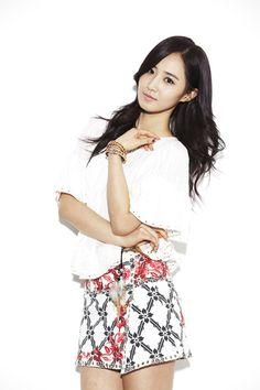 Girls' Generation - News Interview - Yuri