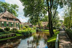 Pas de voitures, des vélos et des canaux : découvrez le village le plus serein de la planète | Buzzly