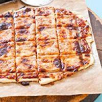 St Louis style thin/cracker crust