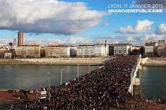 Les plus belles images de la manifestation de Dimanche (4) #JeSuisCharlie #NoussommesCharlie #CharlieHebdo #Lyon http://www.15heures.com/photos/7kqB?utm_source=SNAP #LOL