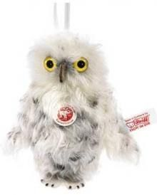 A mini owl, just 9cm and made wavy white mohair by Steiff.