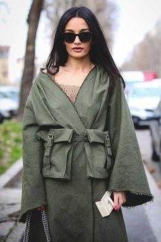 Lovely Look. - Street Fashion, Casual Style, Latest Fashion Trends - Street Style and Casual Fashion Trends Runway Fashion, Girl Fashion, Fashion Show, Fashion Outfits, Fashion Trends, Cool Street Fashion, Street Chic, Street Style, Look 2018