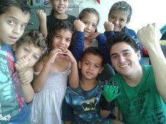 Através da ação de voluntários como Marcelo Botelho, 29 anos, a ONG E-nabling the Future chega ao Brasil, com próteses infantis impressas em 3D. O menino Kevin, de Santo André, ganhou uma prótese com as cores do personagem Ben 10, seu desenho favorito. Leia mais e veja o bonito vídeo no TechTudo, por Paulo Alves.